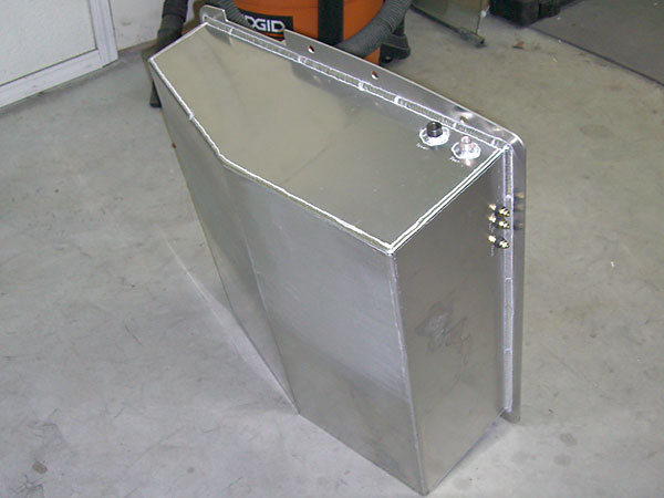 BritishV8 Forum: NIB: EFI-ready Aluminum Fuel Tank for MGB