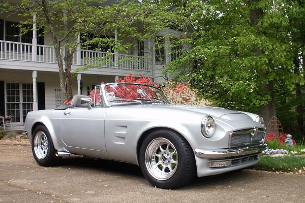 http://www.britishv8.org/Articles/Images-V20-1/NissanStanzaFlaresForMGB-A.jpg