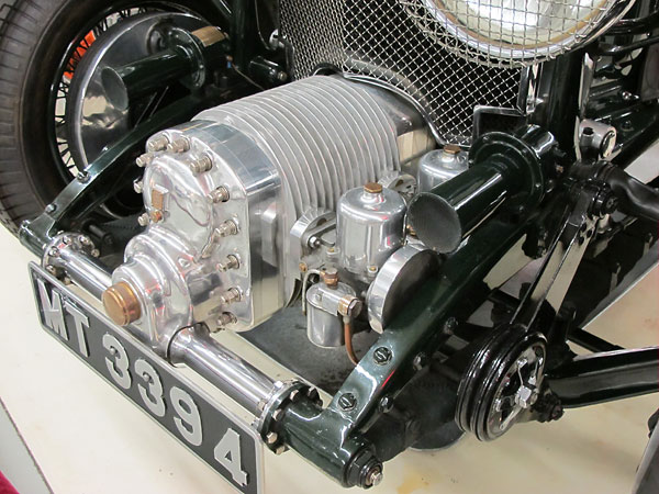 http://www.britishv8.org/Articles/Images-V22-1/CusslerMuseum-1929-Bentley-4point5L-c.jpg