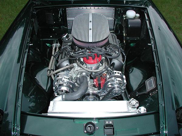Ford 302 V8 in Dan Master's MGB-GT