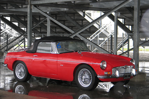 Gary Walker's 1964 MGB with GM 3.4L 60-degree V6
