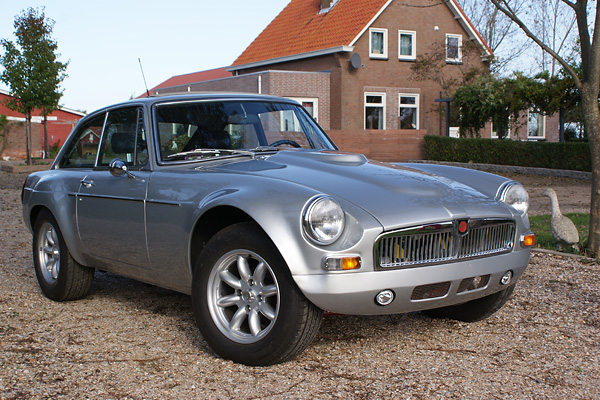 Jos Minderhoud's 1976 factory MGB GT V8, updated with Rover