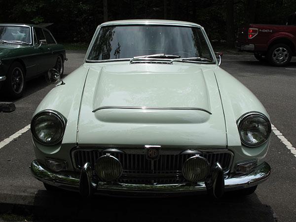 Mickey Richaud's 1969 MGB GT with General Motors 3.4L V6
