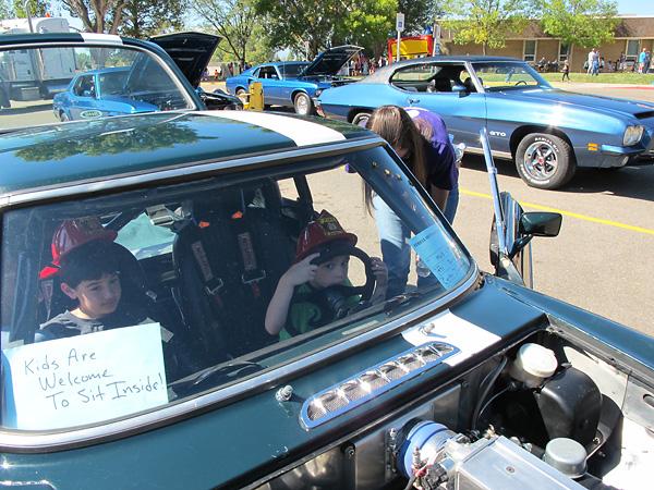 http://www.britishv8.org/MG/MossChallenge2014/CarShow-Kids1.jpg