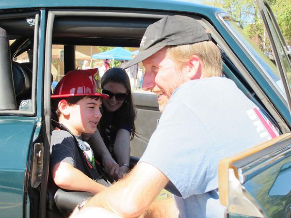http://www.britishv8.org/MG/MossChallenge2014/CarShow-Kids2.jpg