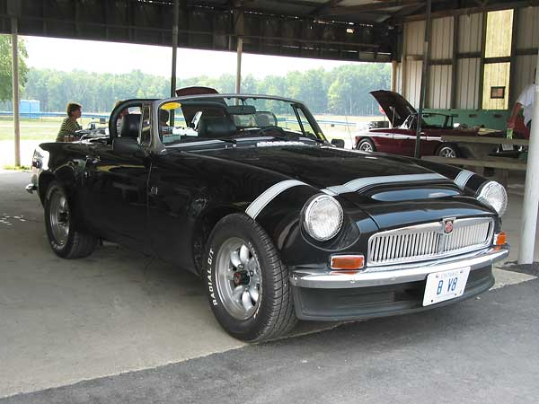 "Peter Smith's 1976 MGB with Rover 3.5L V8 Peter's MGB V8 features ""Huffaker"""