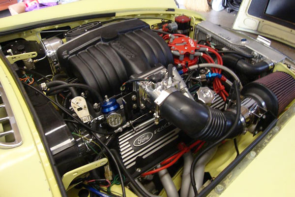 Steve LaGoy's 1977 MGB with Ford 302 V8 and Electronic Fuel Injection
