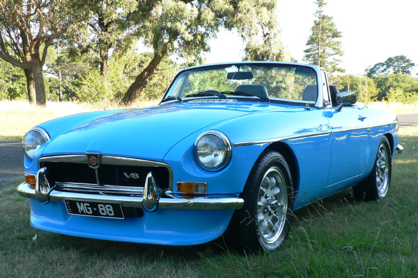 Steve Quilliam U0026 39 S 1975 Mgb  Upgraded With Rover 3 5l V8 And