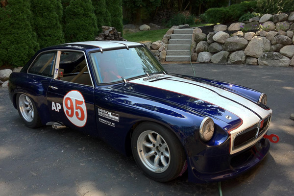 Sneak Peak Don S Gt V8 Racecar With Speedster Body Kit Mg Motorsports Forum Mg Experience