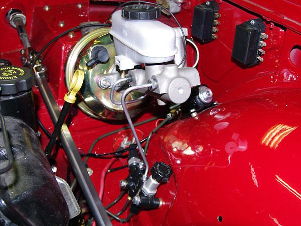 Larry Lambert S 1974 Triumph Tr 6 With 2001 Gm P3400 Sfi