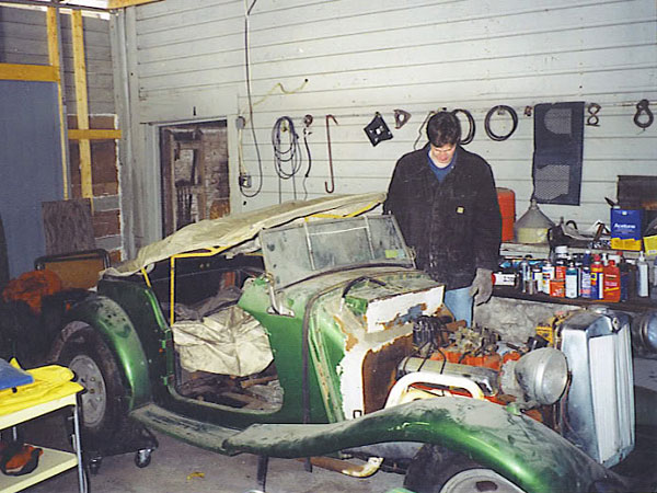 DavePlumley HA dave plumley's 1953 mg td with chevrolet corvette 350 v8 and rear mg td wiring harness at virtualis.co