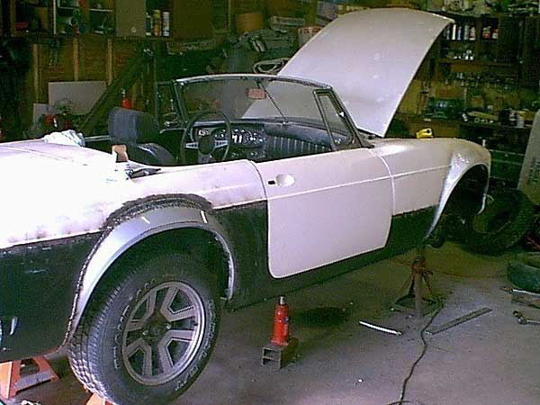 Joe Schafer's 1971 MGB with Ford 5.0 and flared fenders ...